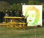 Paintball art, ils font un portrait de Marilyn Monroe au pistolet a bille :o
