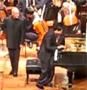 Le pianiste chinois Lang Lang joue du piano sur un iPad pendant un concert a San Francisco