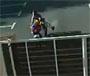 Un motard vient s eclater violemment sur un portail ... ferme ! :p