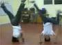 Sont trop forts ces breakdancer lol
