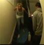 C etait pas tres intelligent de faire du surf dans les escaliers ! :s