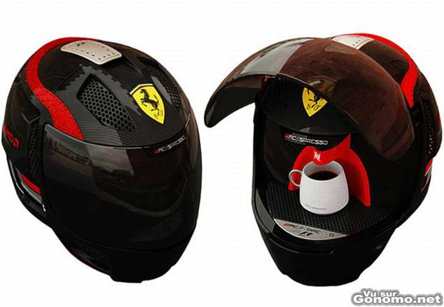 Machine a cafe design : un machine a cafe insolite dans un casque de course automobile Ferrari