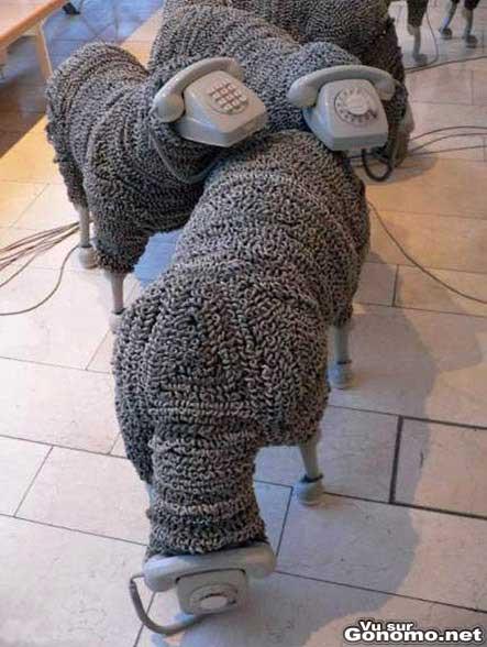 Un troupeau de moutons fabrique avec des telephone vintage