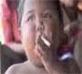Ardi Rizal est un jeune indonesien de 2 ans qui fume 2 paquets de cigarettes par jour ! :o