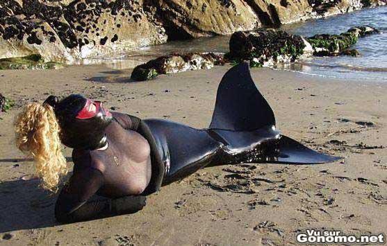 Une sirene sado maso !? ou un un equipement bizarre pour faire de la plongee