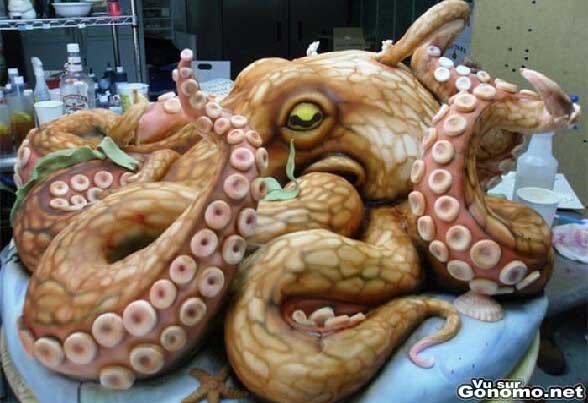 Un gateau pieuvre impressionnant de par sa taille et de par son realisme !