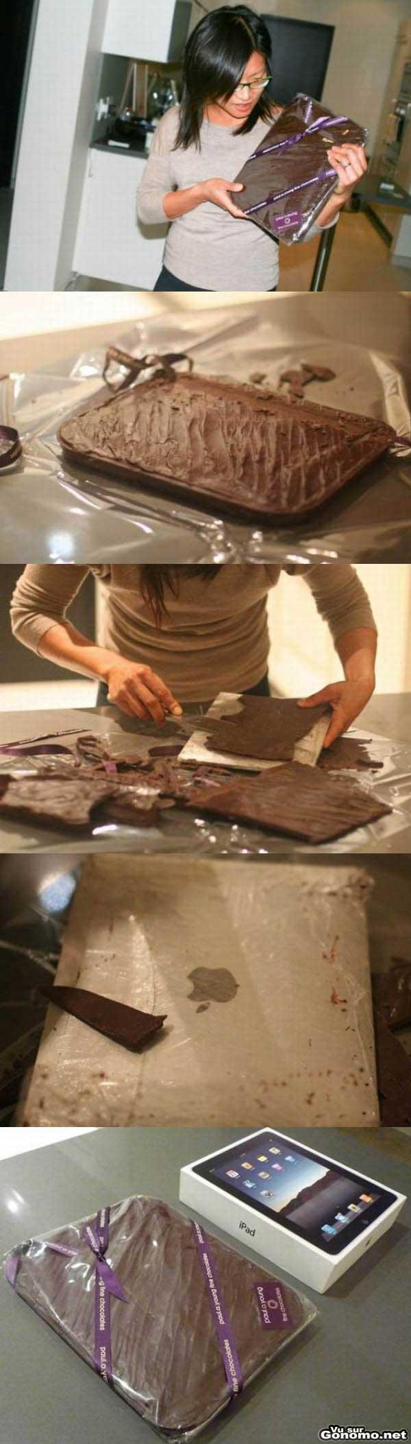 Offrir un iPad de facon originale en le cachant dans un gateau au chocolat, fallait y penser !