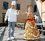 Robe de mariee originale : la robe de la mariee et la piece montee deux en un :)