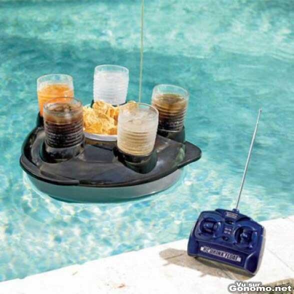 Accessoire cool et insolite pour l apero avec ce plateau for Accessoire piscine dans le 47
