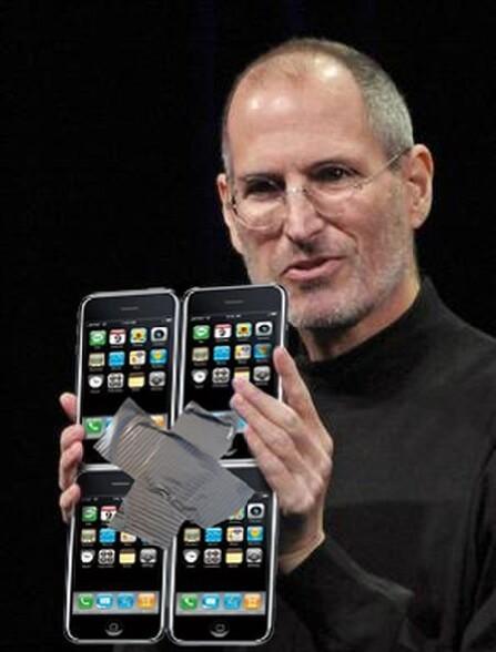 Steve Jobs tres fier, presente son Ipad. Mais ou trouve t il toutes ces idees ? :)