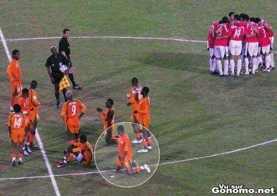 Une envie pressante pendant un match de foot