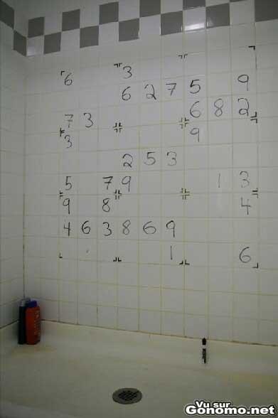Sudoku sur le mur des chiottes