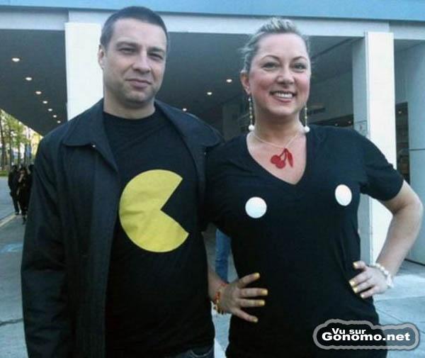 T shirt Pacman qui fonctionne en duo : moi aussi je lui mangerai bien ses camemberts ;)