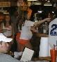 Pas de conges maternite pour les filles de chez Hooters ? :)