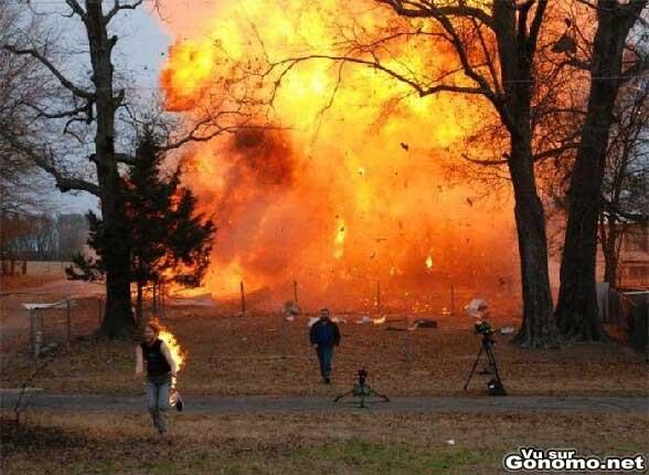 Le feu ca brule et l eau ca ... ah non y a pas d eau la ! :s