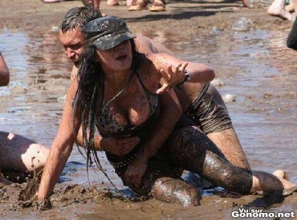 Une demoiselle victime d un beau plaquage dans la boue