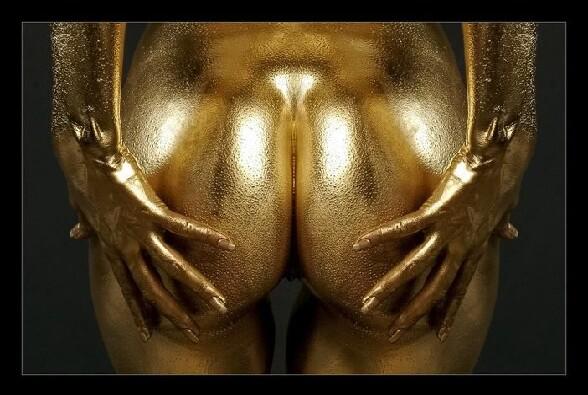De belles fesses dorees !