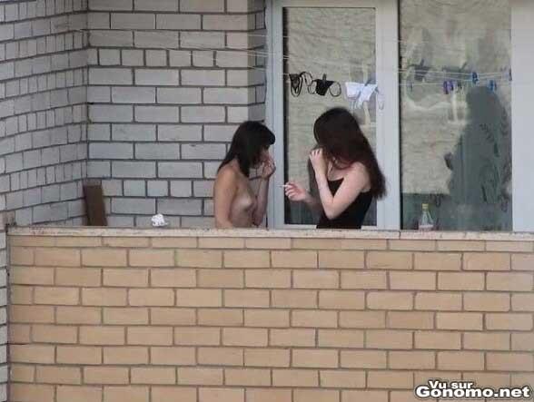 Sexy les voisines d en face :)