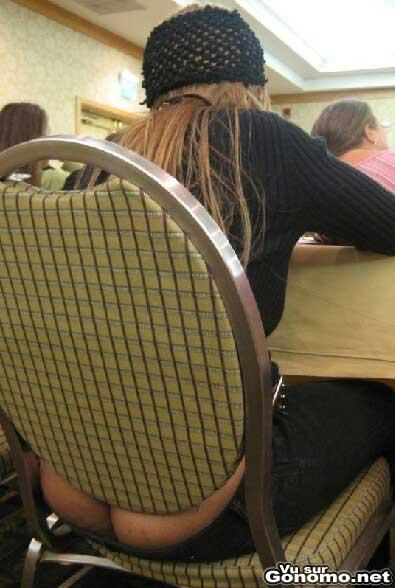 Le pantalon taille basse femme une vraie belle invention ... pour nous les hommes :p