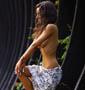 Voila comment faire une belle photo de vacances en choisissant une belle autochtone pas frileuse