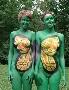 Body painting sur deux jeunes femmes
