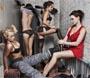 Geekettes nues : des informaticiennes qui viennent depaner le reseau d entreprise seins nus :)