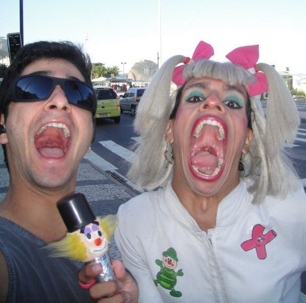 Photo du facebook bresilien : mais qu est ce que c est que cette bouche ??? :o