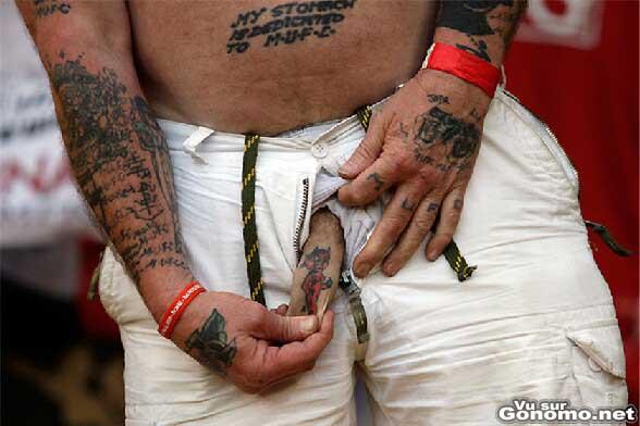 Il a du souffrir pour ce tatouage :s