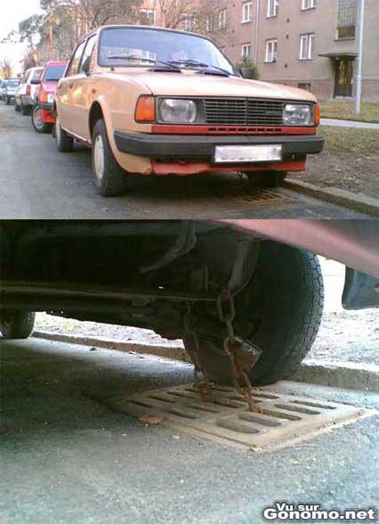 D habitude on attache son velo, lui il cadenasse sa voiture ...
