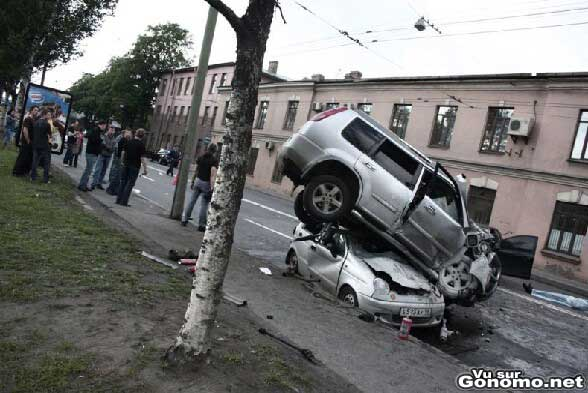 Des voitures qui jouent a saute moutons :s