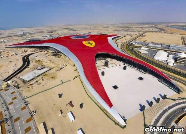 Dubai Ferrari Park : le gigantesque parc a theme de Ferrari a Dubai !