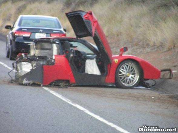 Il crash sa Ferrari Enzo :(