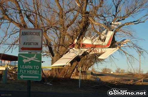 Le crash d un petit avion dans une ecole d aviation