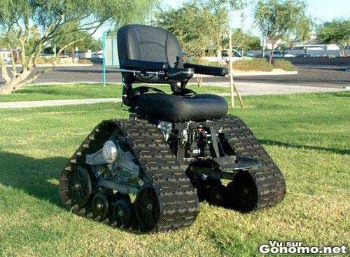 Un fauteuil roulant electrique tout terrain avec des chenilles !